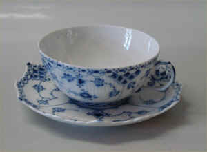 RC1-1130Teacup1.jpg (114006 byte)